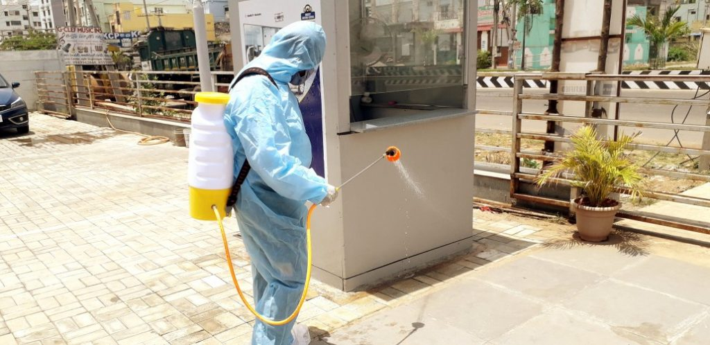 office cleaning with sanitaisour t20 LlA04Z